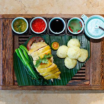 Hähnchen mit Reis nach Hainan-Art