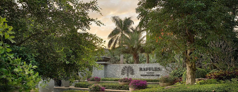 Главный вход в отель Raffles Hainan