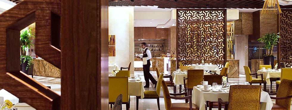 Makkah restaurants fine dining in makkah raffles makkah for Best hotel dining rooms