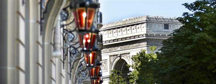 arc de triomphe at Raffles Paris
