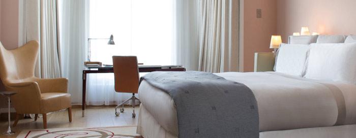 Спальня люкса «Prestige» в Raffles Paris