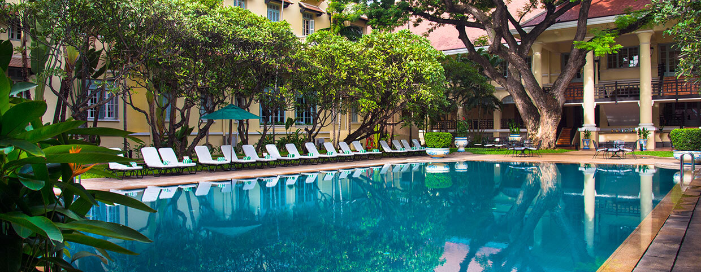 Raffles Hotel Le Roya(ラッフルズ ホテル ル ロイヤル)のプール