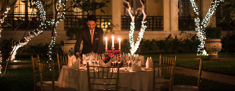 Raffles Hotel Le Roya(ラッフルズ ホテル ル ロイヤル)のプールサイドのイベント
