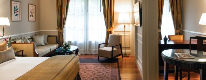 Raffles Hotel Le Roya(ラッフルズ ホテル ル ロイヤル)の花のディテール