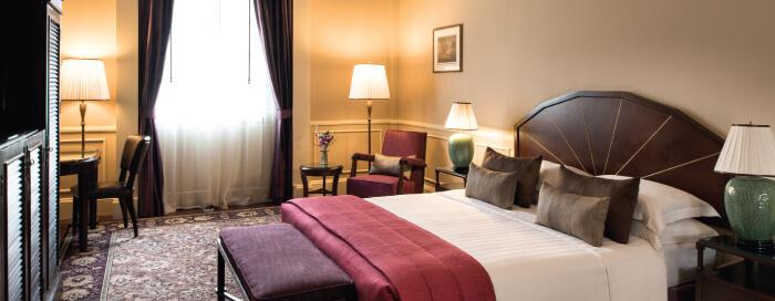 Service d'étage au Raffles Hotel Le Royal