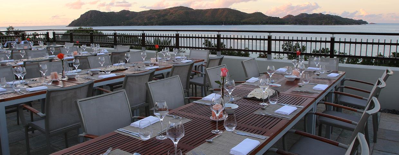 Зона для проведения деловых встреч отеля Raffles Seychelles