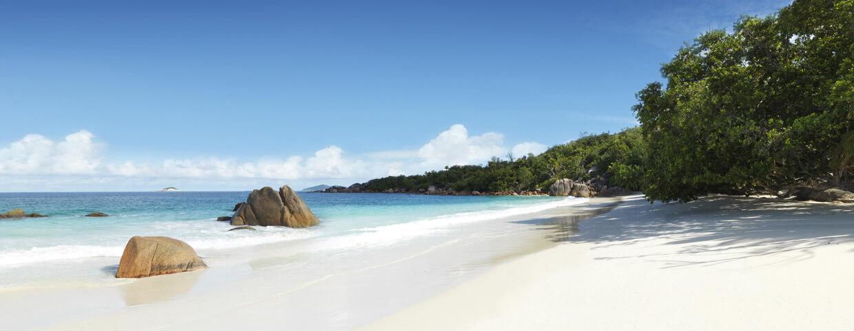 Plage Anse Lazio au Raffles Seychelles