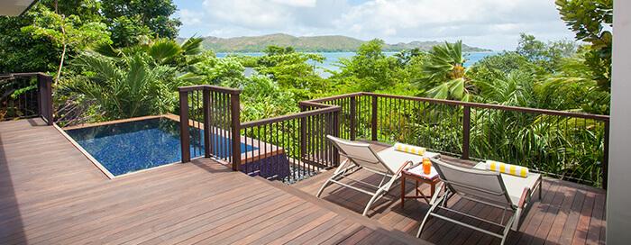 Villa avec piscine et vue partielle sur l'océan au Raffles Seychelles