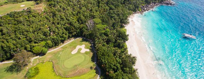 Чемпионское поле для гольфа Lemuria в Raffles Seychelles