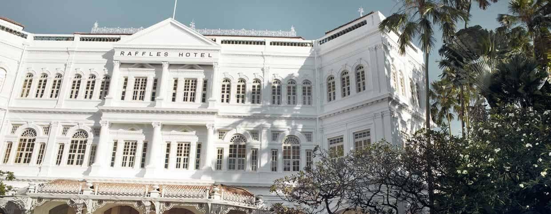 Raffles Singapore, hotel facade