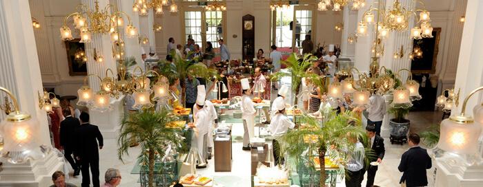 Raffles Singapore(ラッフルズ シンガポール)のロビーで楽しむサンデーブランチ