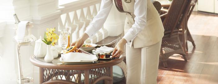 خدمة كبير الخدم بفندق رافلز، سنغافورة